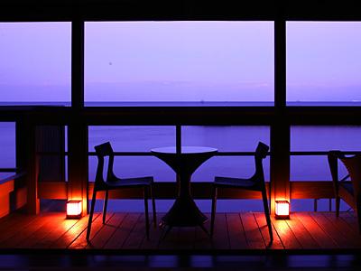 海辺の別荘で非日常のひと時をお過ごし下さい
