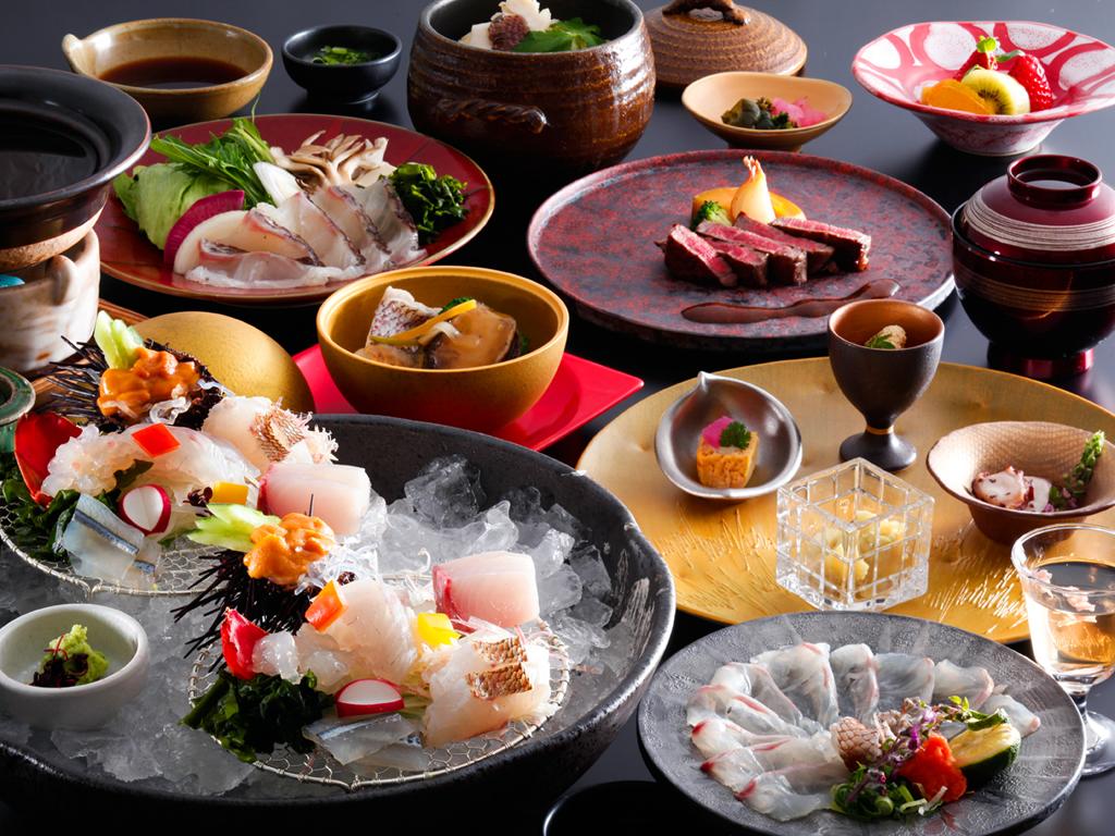春に一番の旬を迎え、身体を淡いピンク色に輝かせることから桜鯛と呼ばれる鳴門の真鯛を使った会席料理≪料理イメージ≫