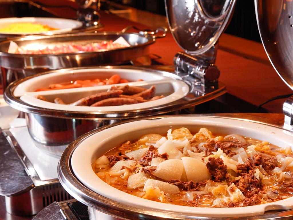 ご朝食は約40種類のメニューをお召し上がりいただく和洋バイキングをご用意いたします≪朝食バイキングイメージ≫