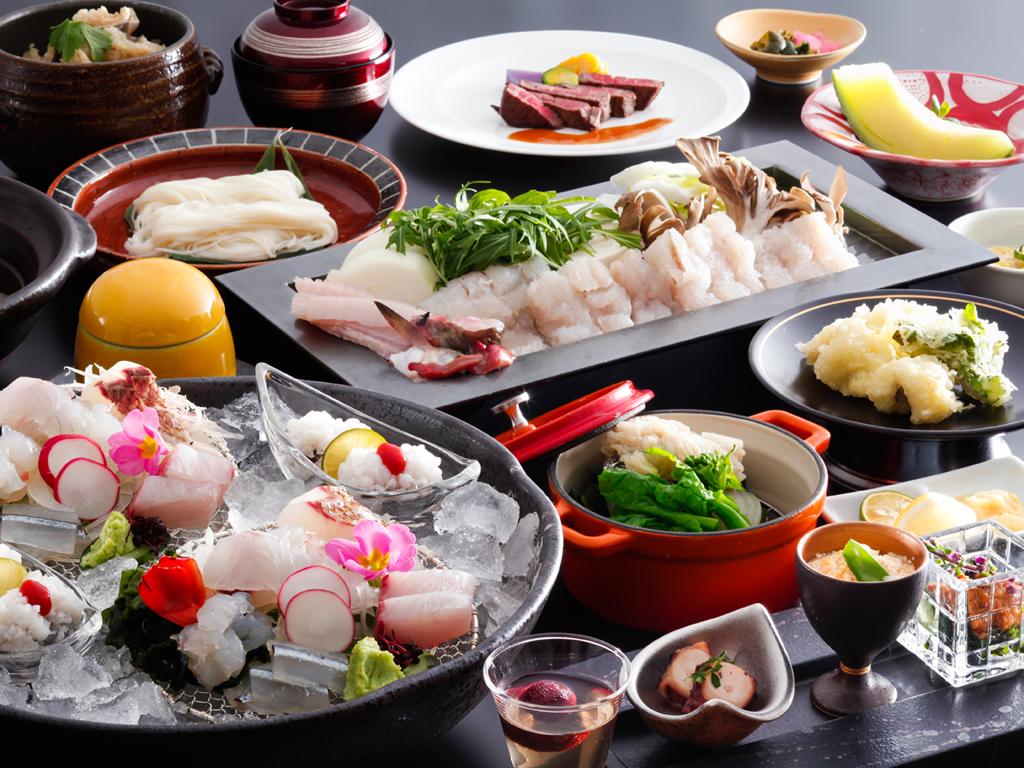 特産品の淡路島たまねぎと一緒に味わう鱧すき鍋は淡路島のこの時期ならではの郷土料理≪料理イメージ≫