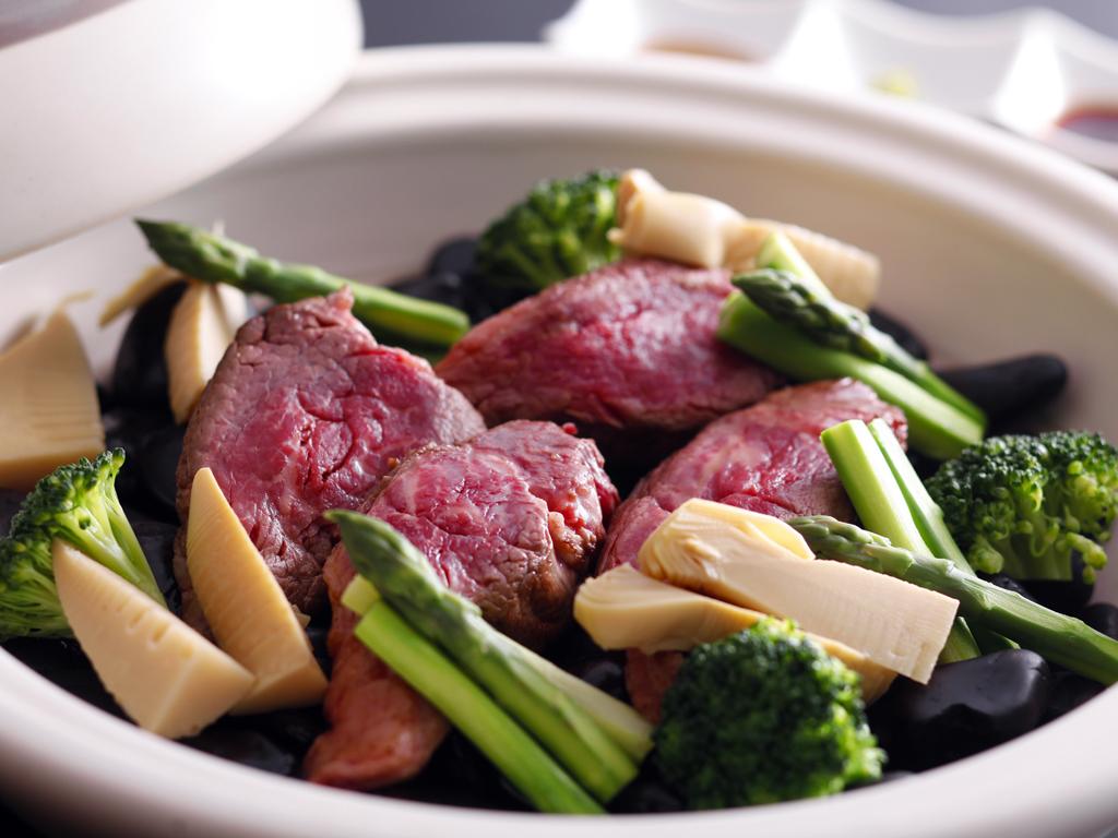 紅葉鯛・伊勢海老・松茸・淡路牛を味わう秋の饗宴。秋の旬を存分にお愉しみいただけます≪料理イメージ≫