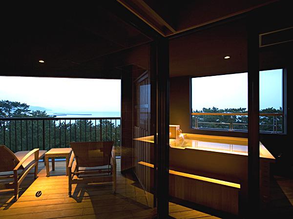 大浜海岸を望む絶景の貸切家族風呂「夢海」で