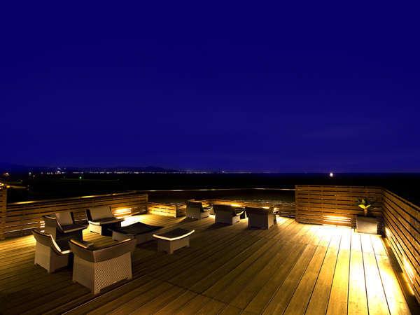 屋上ステラテラス夜の風景