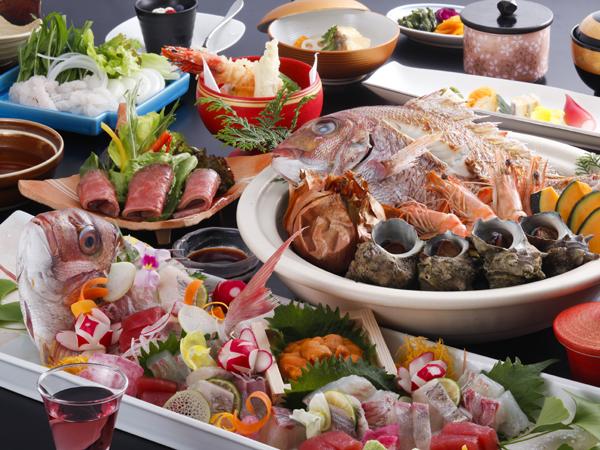 真鯛の姿造りや淡路島名物の宝楽焼を含めた味覚会席(イメージ)