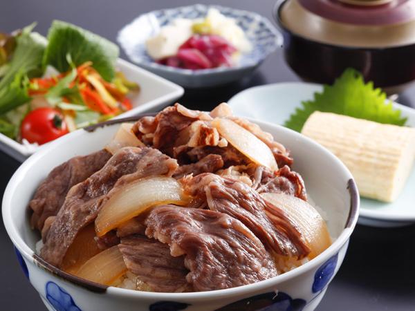 素材の良さを十分に引き出した淡路島牛丼を、ふわふわ出汁巻きとともにお召し上がりください。