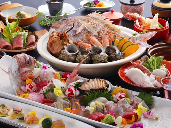 淡路島名物の宝楽焼や山海の幸を散りばめた季節の特選料理(イメージ)