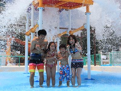 """夏は中四国最大級のプール""""レオマウォーターランド""""で"""