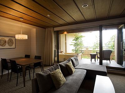 富士見台・露天風呂付和洋和室・リビング