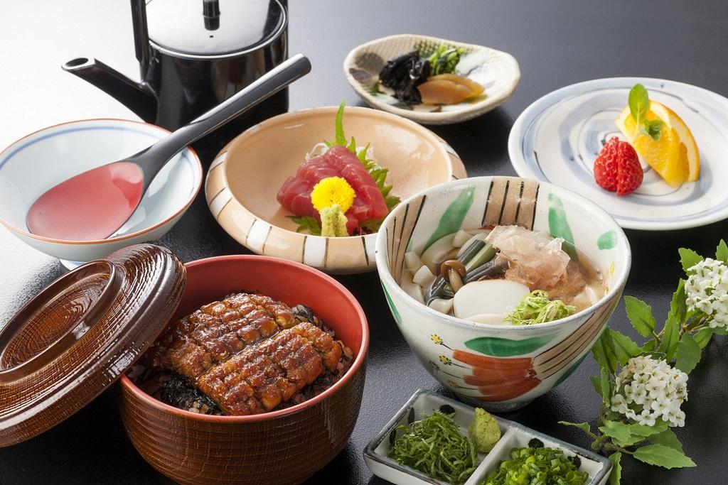日本料理イメージ ●ひつまぶし きしめん付セット●