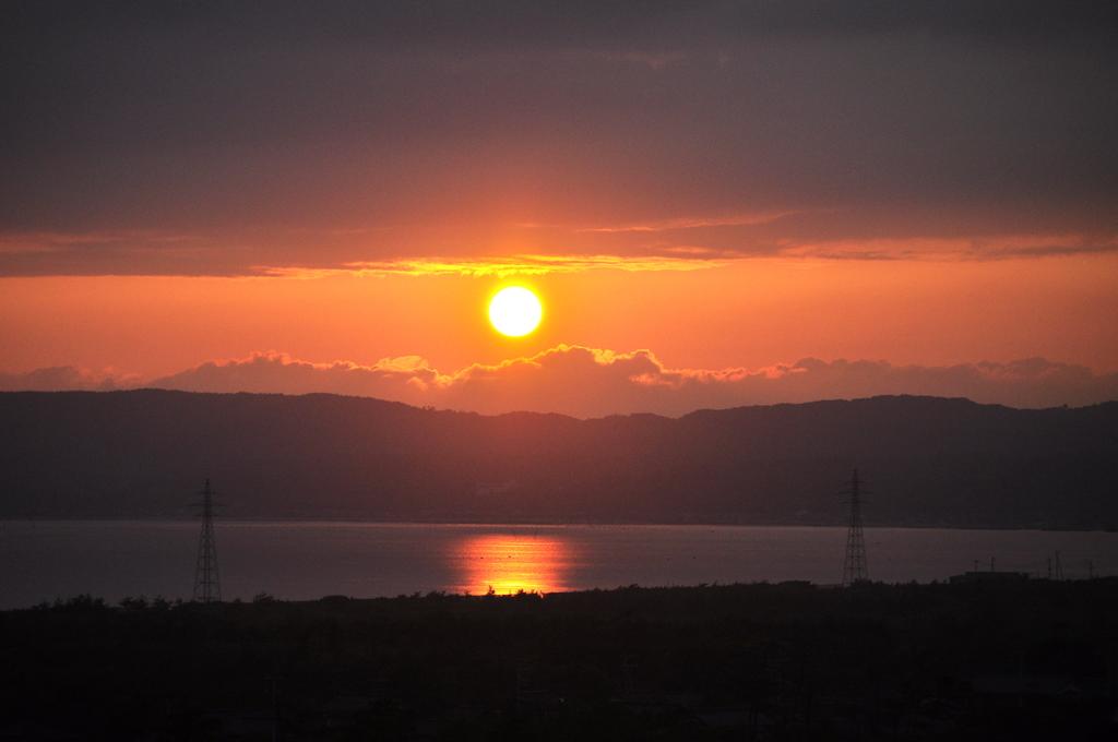 八幡館から見る夕陽イメージです