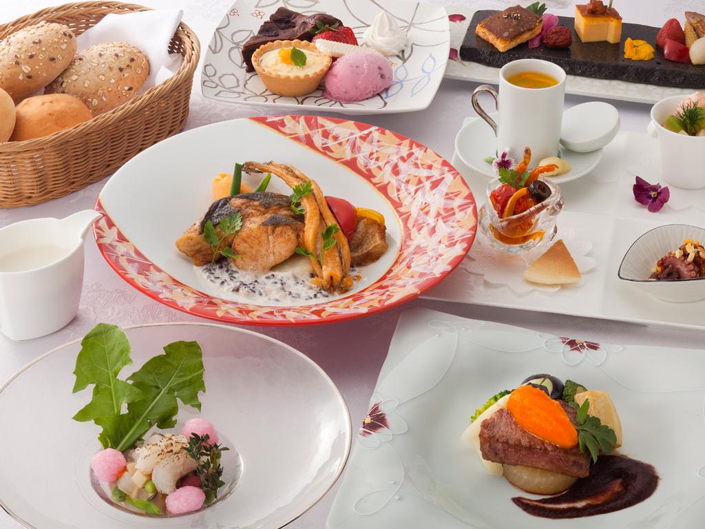 ご夕食は好みに合わせて3種類からお選び頂けます≪料理イメージ≫