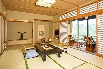 最上階のゆったりとした和室から望む、自慢の眺望をお楽しみ下さい。(画像はイメージです)