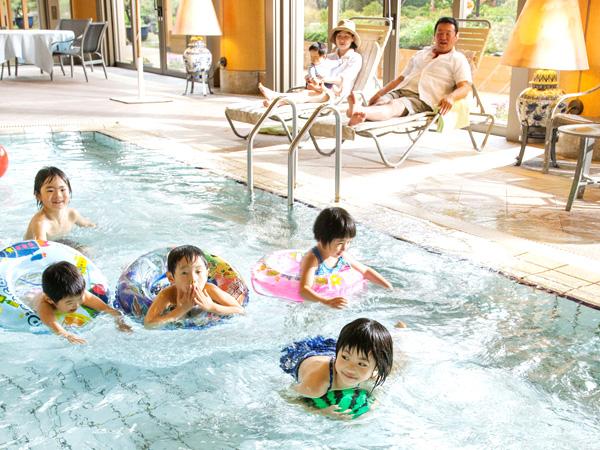 華鳳の室内温水プール