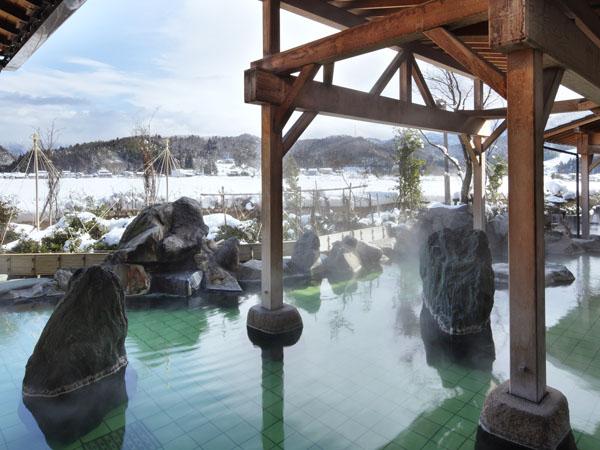 露天風呂からの雪景色は格別です