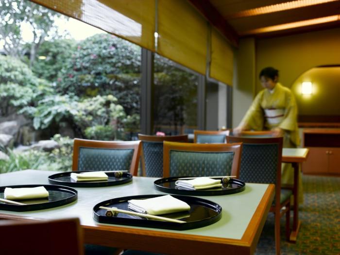 日本料理「歌留多」ホール席 イメージ