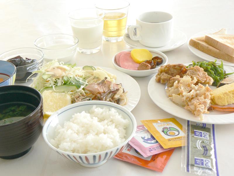 地元のおばちゃんの手作り朝食バイキング☆