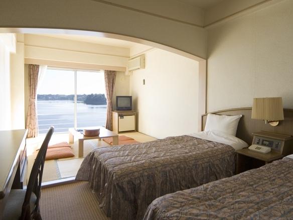 スタンダードルーム ツインベッド+和室6畳
