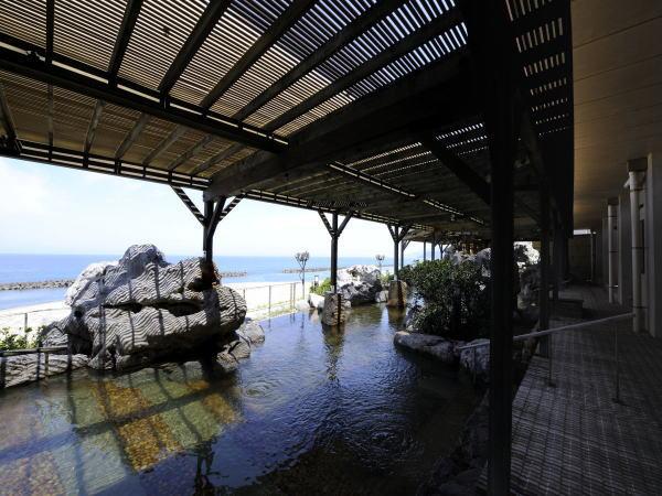 日本海を一望 絶景の大浴場 露天風呂