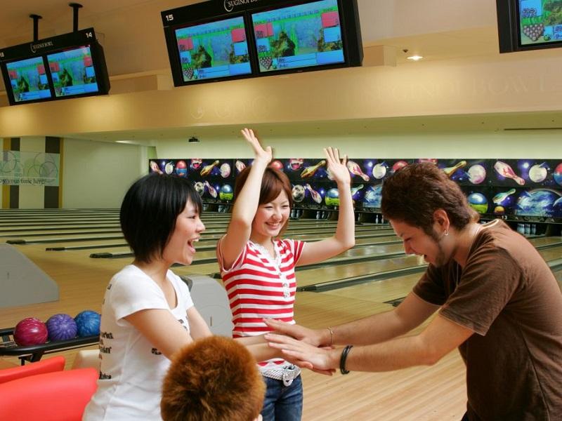 アミューズメント特典�@ みんなでボウリング大会♪♪♪ 1ゲーム無料がついてくる!