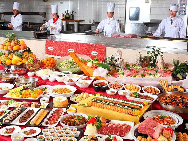 バイキングレストラン シーズ イメージ♪ ご夕食は、和洋中のバイキング♪