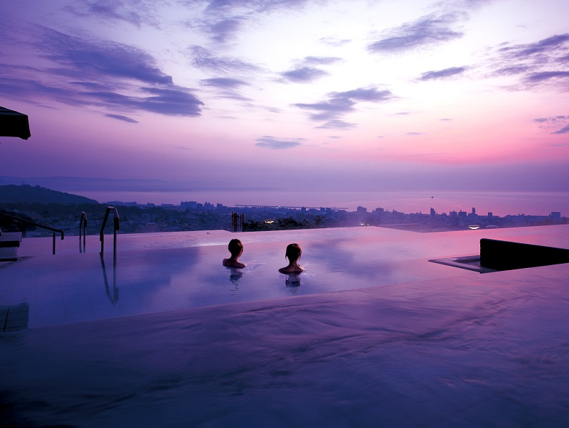 """TANAYU"", an open air hot spring bath with magnificent view!  *Morning view Before Sunsise!"