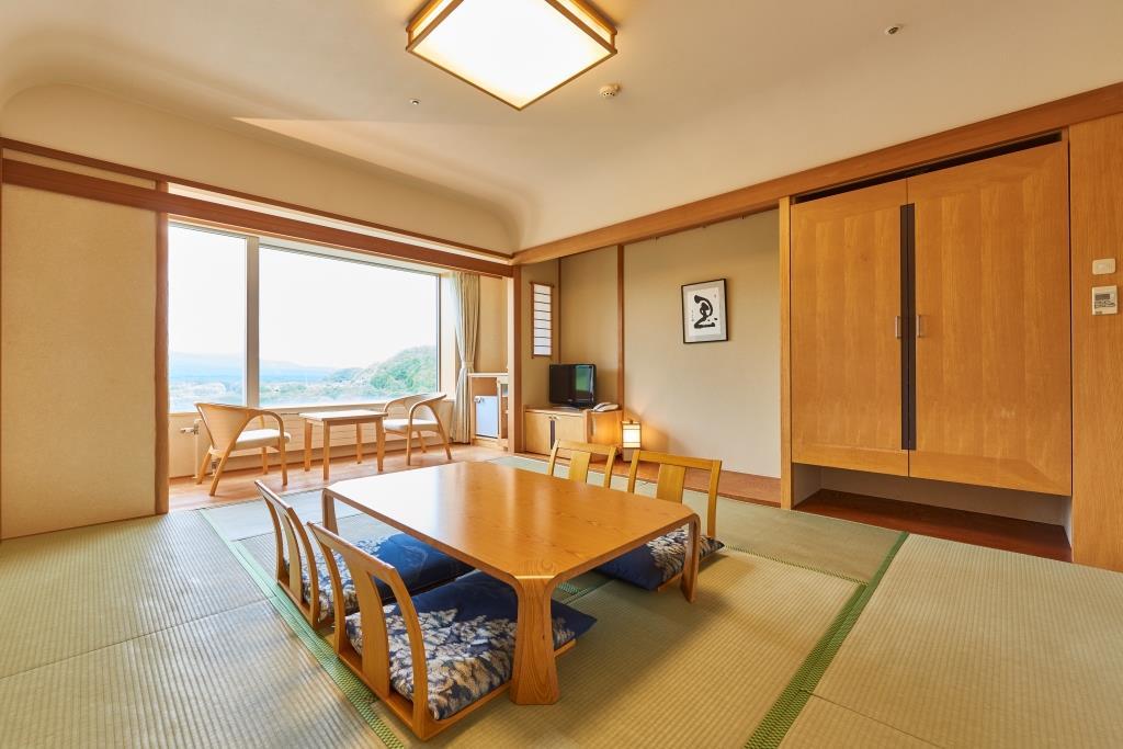 客室例:広々10帖の和室