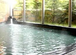 万代鉱源泉が掛け流されている大浴場