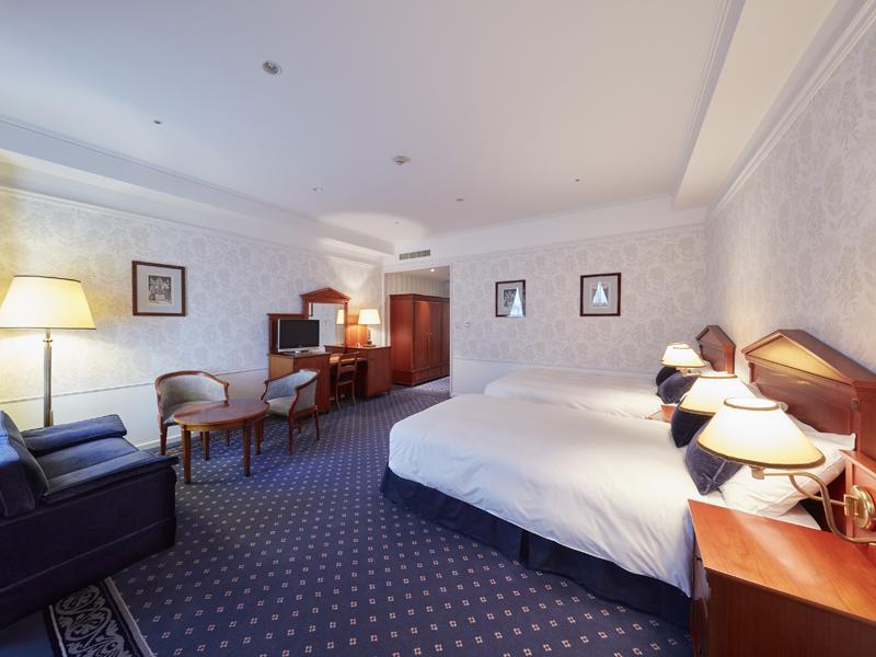 国際水準の広さを誇る45平米。ゆったりとしたお部屋でお寛ぎいただけます。(客室の一例)