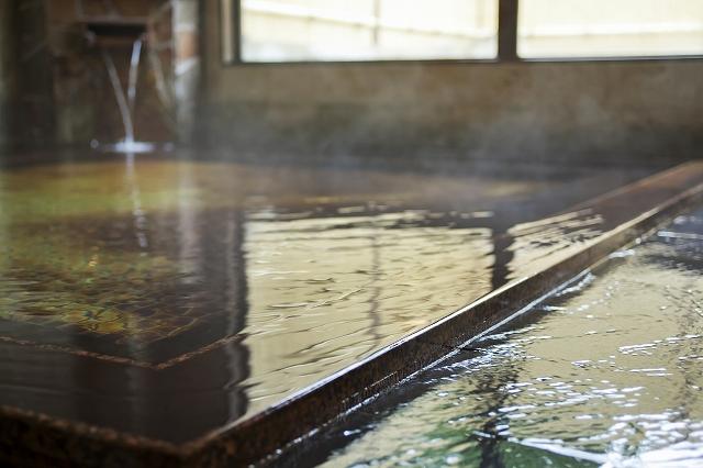 大浴場-滑らかな湯質は肌がすべすべに。
