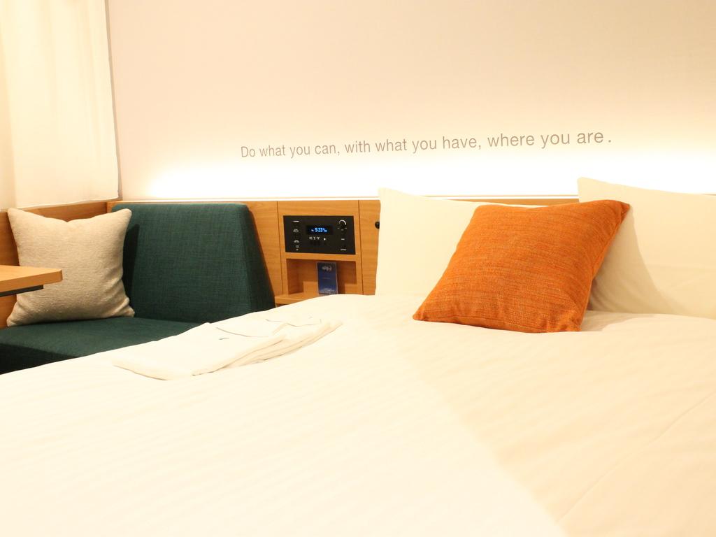 シングルに140cmダブルサイズベッド採用,地デジTV・VOD導入,快適なホテルライフを♪