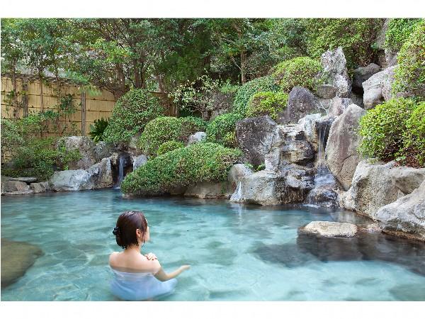美肌の湯。庭園露天風呂です。
