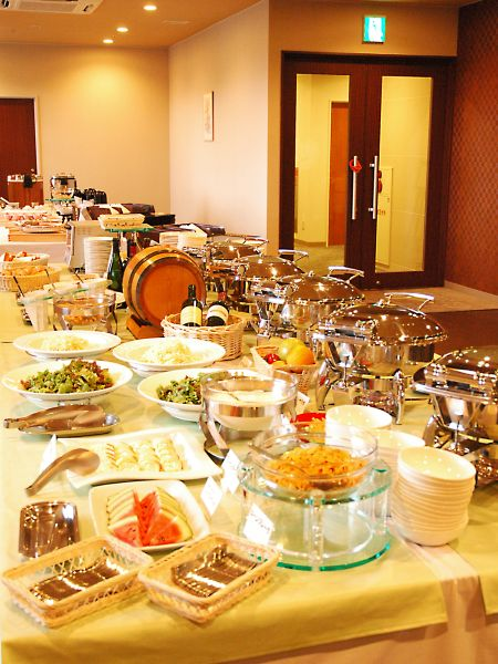 【朝食バイキング】新鮮な北海道産の食材を多く使用し、函館ならではのメニューを多くご用意しております。
