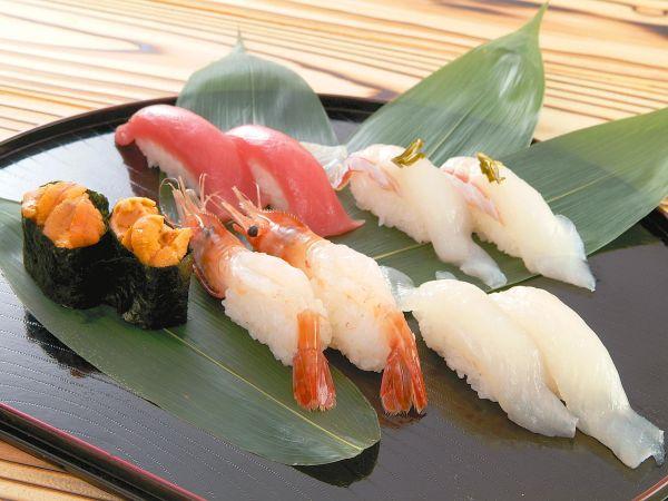 【グルメ回転寿司◆函太郎さん】のお食事券1,000円分をプレゼント!!あら汁付♪
