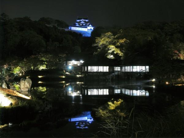 """琵琶湖八景の一つ """"月名 彦根の古城"""""""