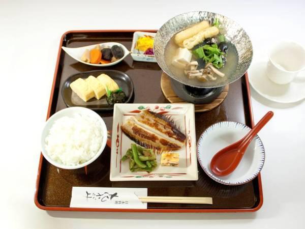 国産米のご飯がおいしい和食スタイルの朝食