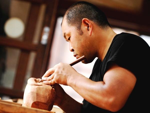 木彫刻 彫刻師 翠雲彫三代目 井尻一茂さん