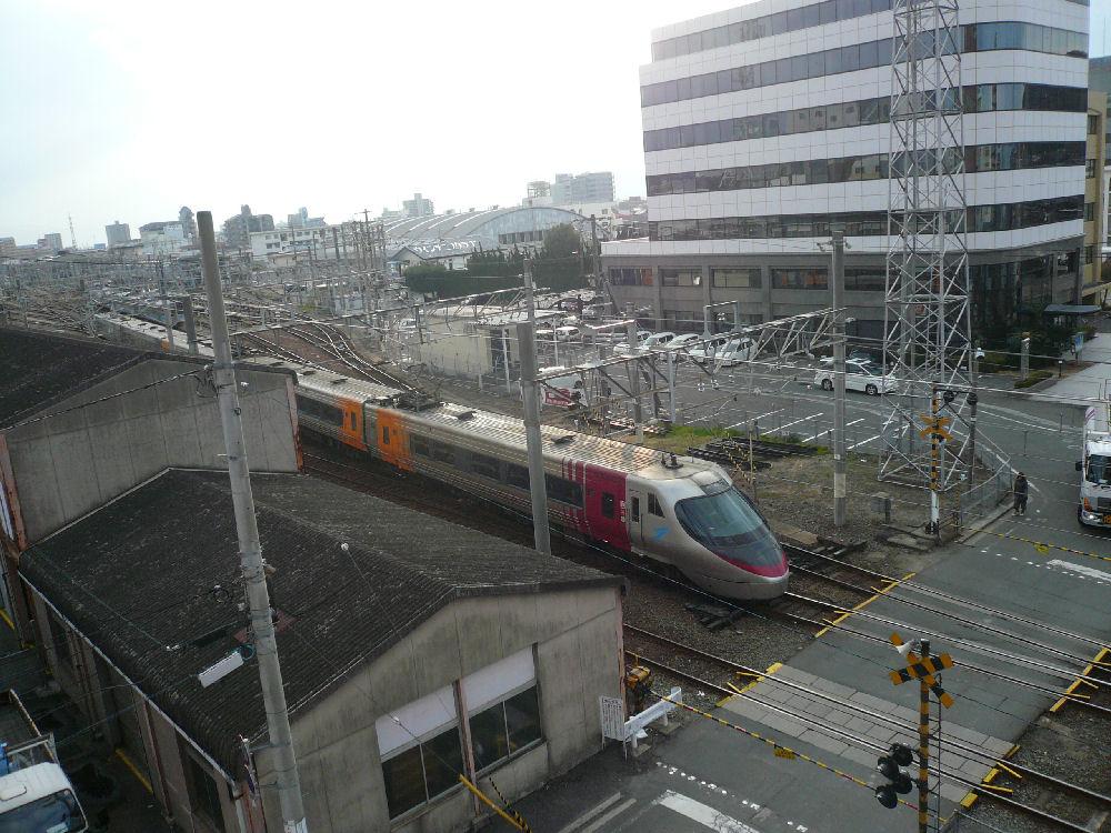 お部屋から見る列車