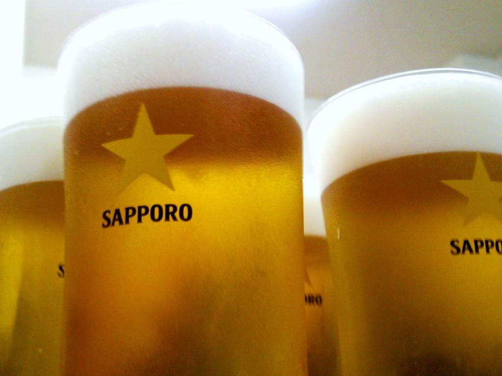 最初の一杯・・・やっぱり冷えた生ビール!ですね。