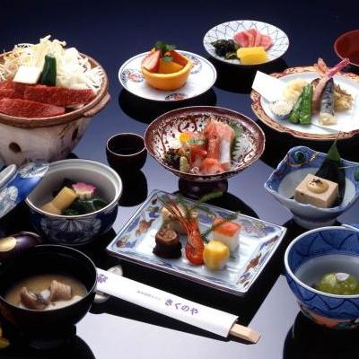 ご昼食は旬の湖国の特産にこだわった【ミニ会席料理】