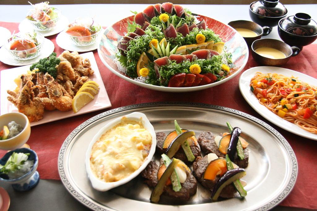 ご夕食ご家族4名盛り(イメージ)