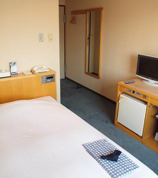 1番館シングルルーム(フロントは別棟2番館のみ)