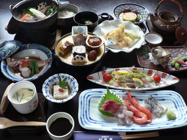 季節の会席料理の一例です。日によりメニューは変わります。