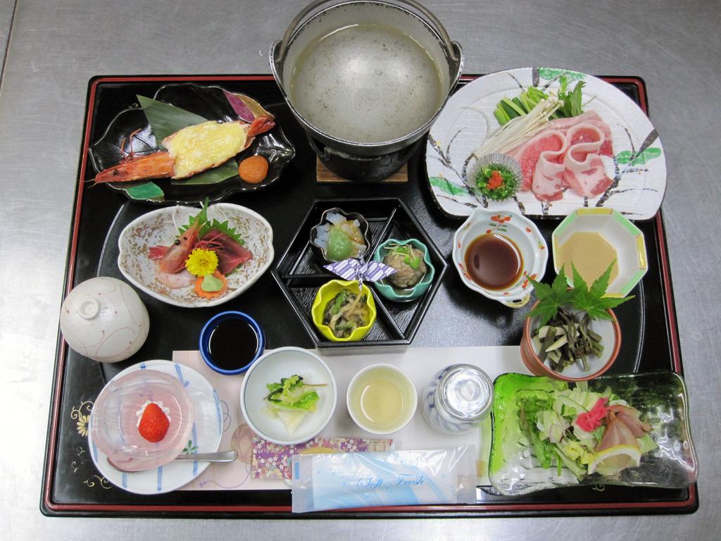 梅プランのイメージ写真です。お料理は季節によって多少異なります。