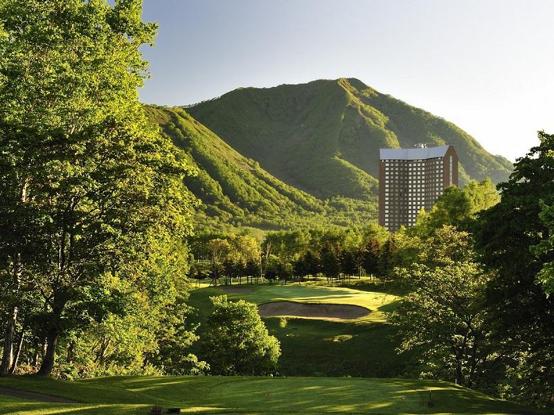 ルスツリゾートには4コース72ホールのゴルフ場がございます。