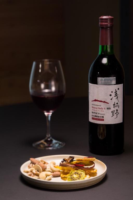 ワインとおつまみのイメージ