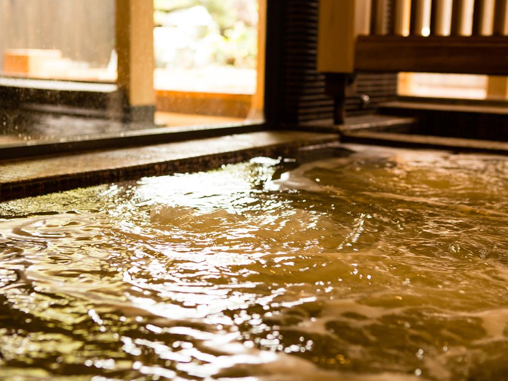 美肌づくりの湯がなみなみと注がれる展望浴場・露天風呂(イメージ)